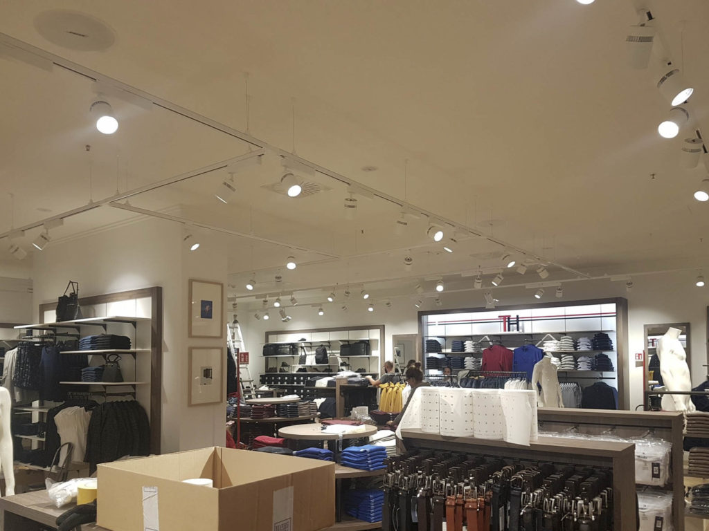 ristrutturazione negozio kalvin klein tommy hilfiger20170913 113441 1024x768 - Tommy Hilfiger e Calvin Klein (Bozen)