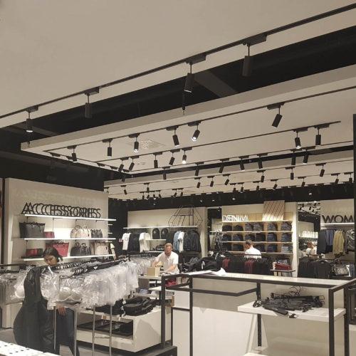 Tommy Hilfiger e Calvin Klein (Bozen) ristrutturazione negozio kalvin klein tommy hilfiger20170913 1139172