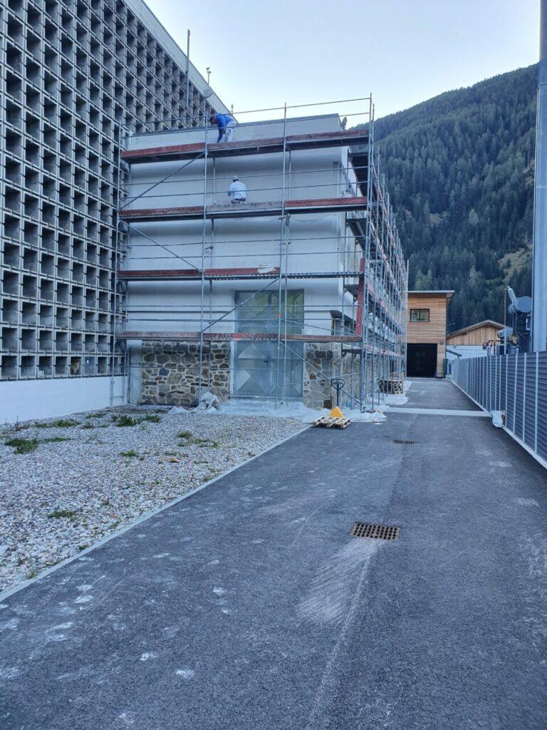 20200930 084102 768x1024 - Baustelle Santa Valburga